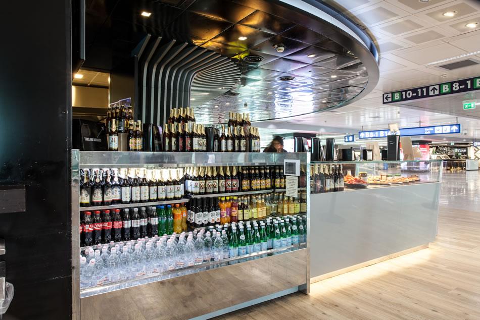 Arredamento ristorante bar mercedes benz caf fiumicino for Mb arredamenti roma